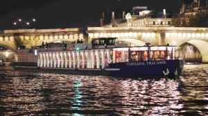 Capitaine Fracasse Best value Dinner Cruise in Paris