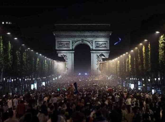 Paris New Year's Eve 2020 : Celebrations, dinner, cruises, fireworks