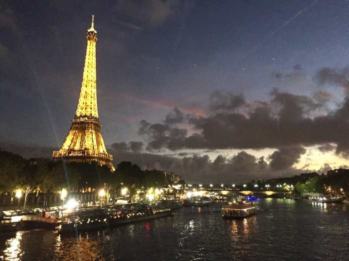 Bateaux Mouches® Dinner Cruise on the Seine River: reviews, prices