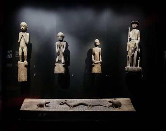 Arte funerario Mong en el Museo de Quai Branly Jacques Chirac
