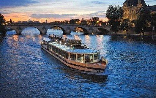 Paris en Scène preiswerte Dinner Kreuzfahrt in Paris