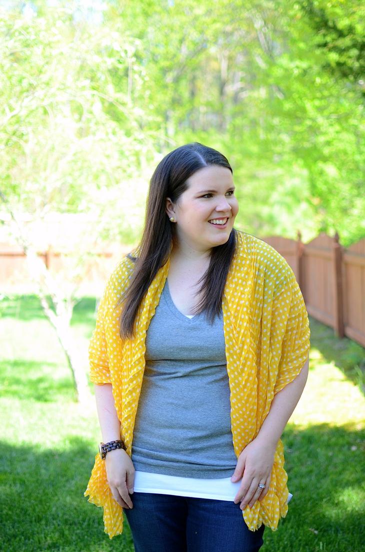11 Ways to Wear a Summer Scarf (8)