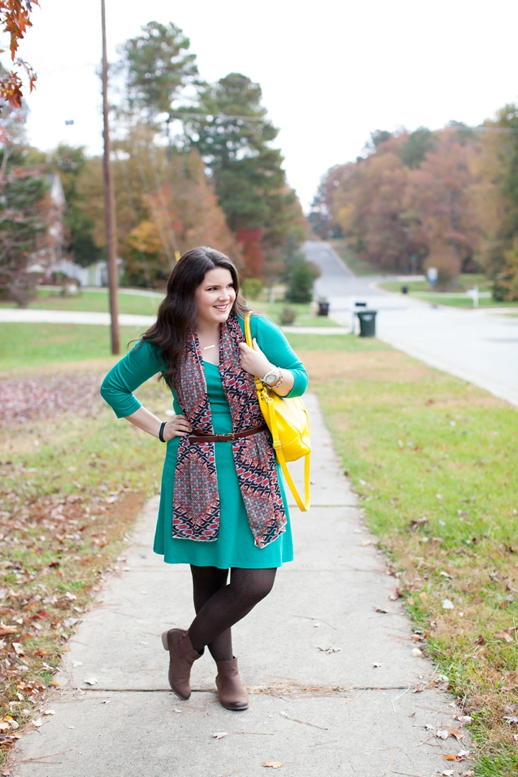 How to wear a belted scarf (1)