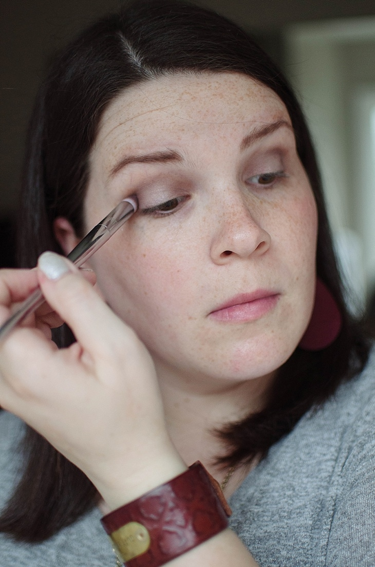 Simple Holiday Plum-Inspired Makeup Tutorial with NEUTROGENA Cosmetics (17)
