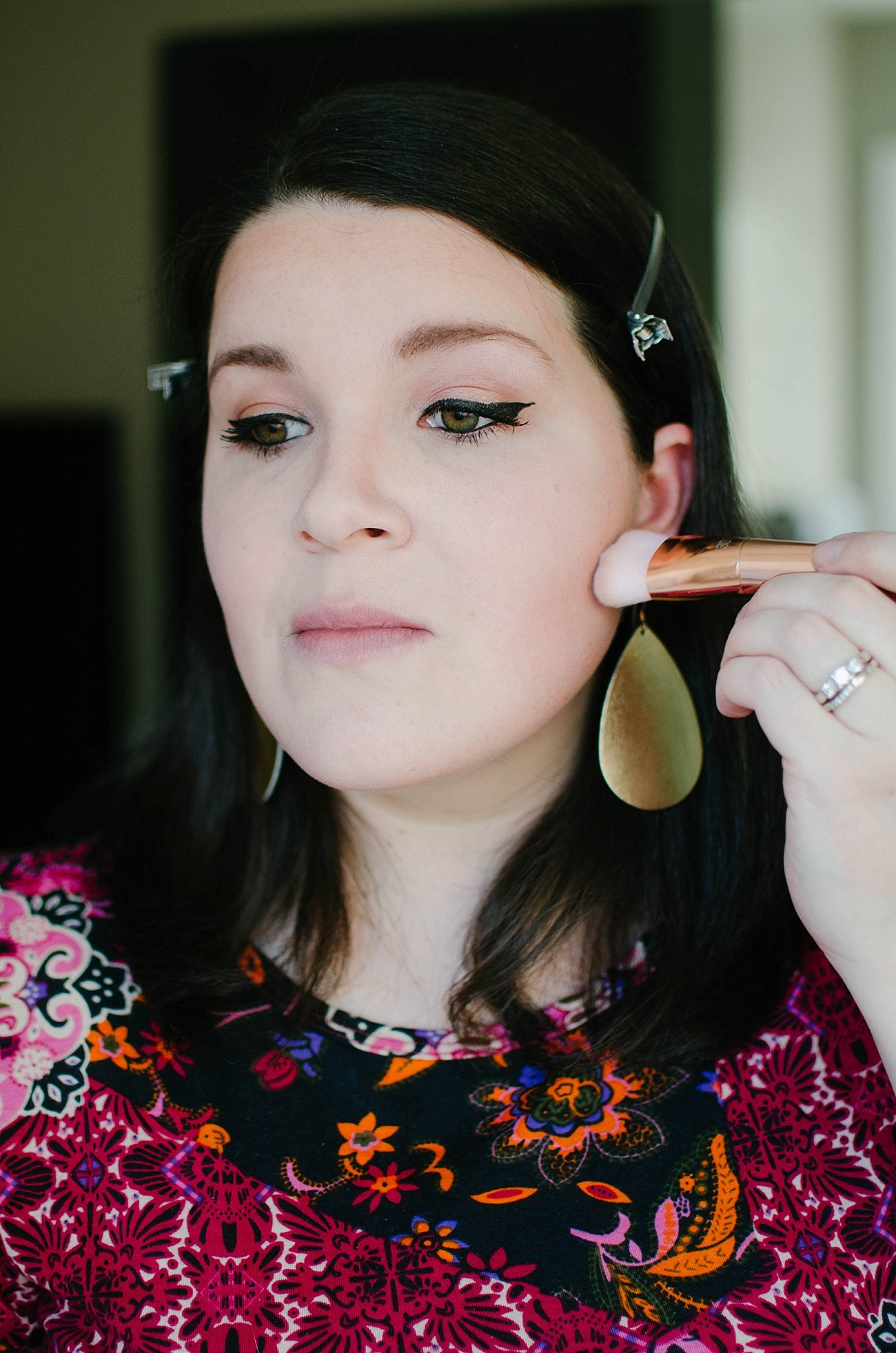 Looks to Love Makeup Tutorial - Maybelline - #MNYLooksToLove (27)
