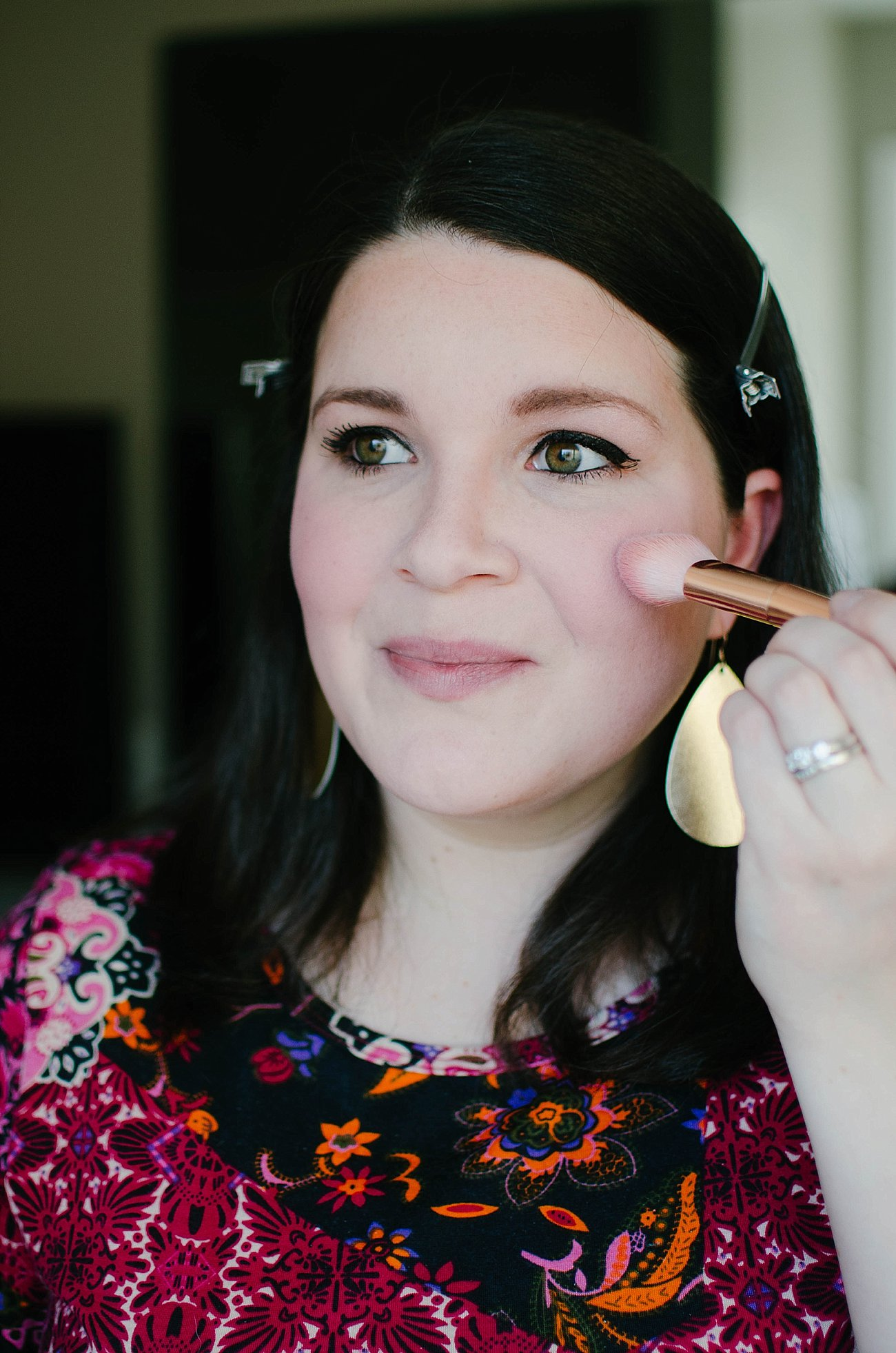 Looks to Love Makeup Tutorial - Maybelline - #MNYLooksToLove (29)