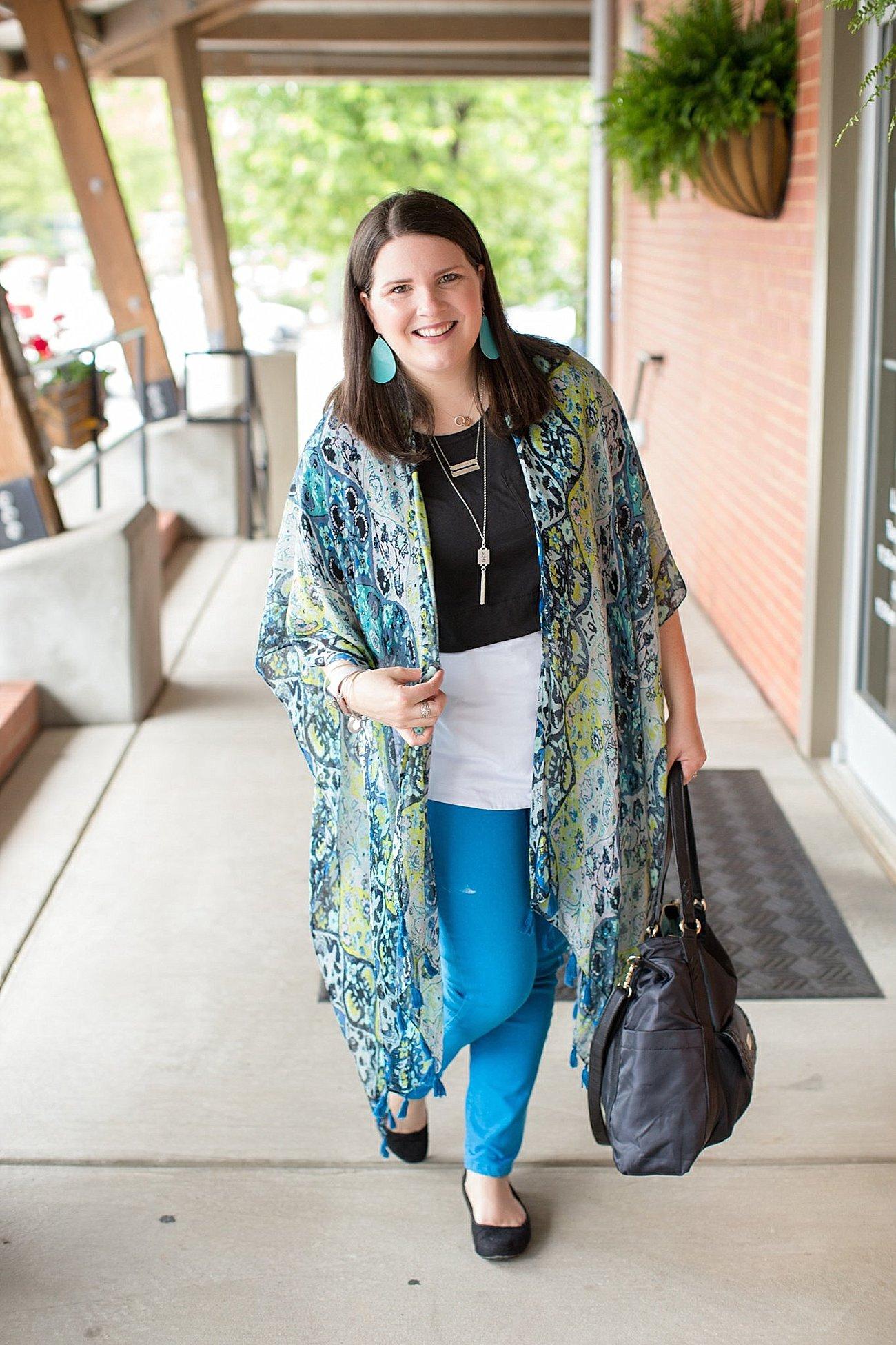 "Threads 4 Thought ruana, Elegantees ""Riley"" tee, Margaret M Stitch Fix jeans, Lily Jade diaper bag   North Carolina Fashion Blogger (9)"