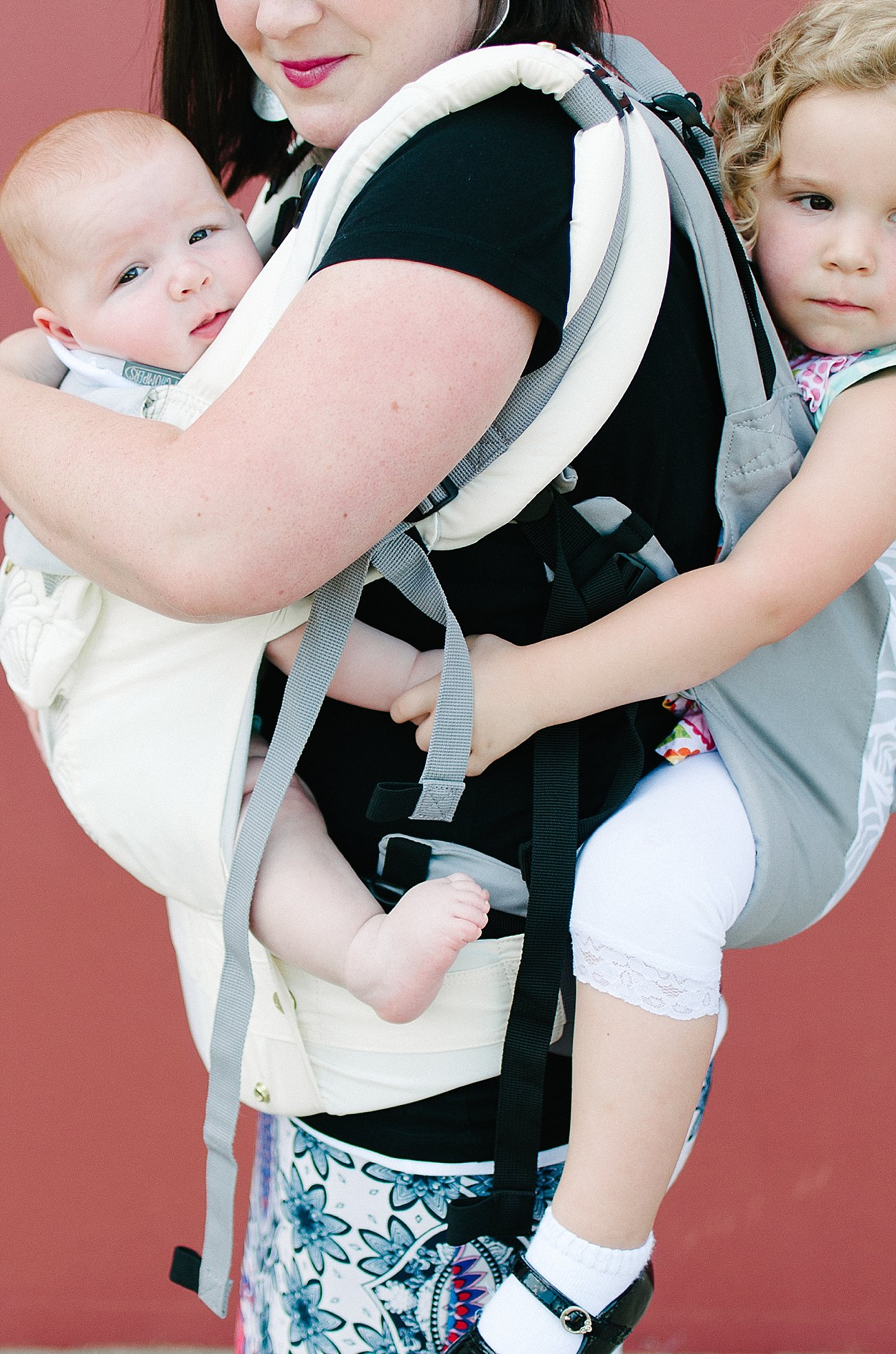 with Lillebaby Complete & CarryOn Baby Carriers #babywearing #tandemwearing #toddlerwearing (11)