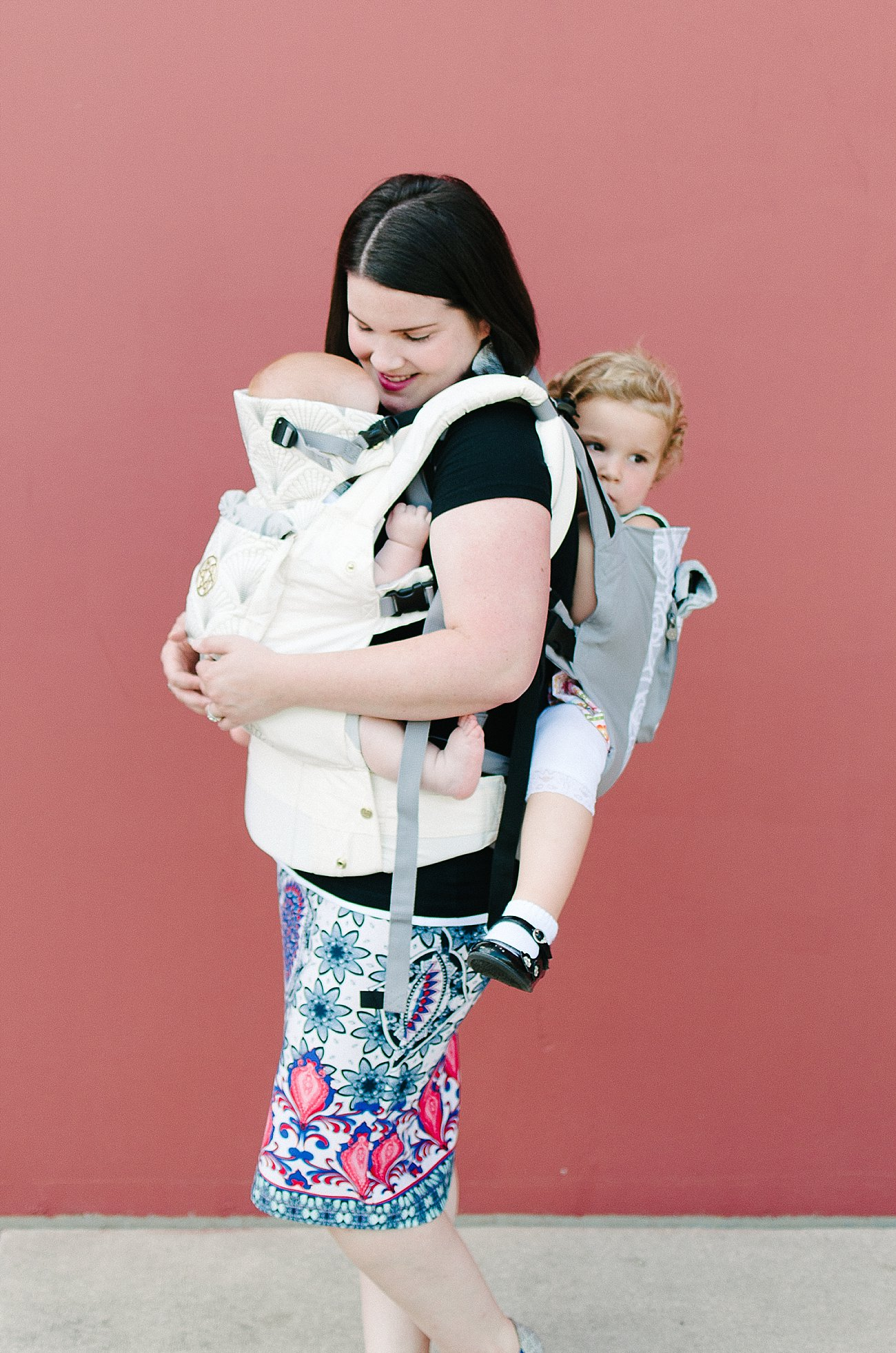 with Lillebaby Complete & CarryOn Baby Carriers #babywearing #tandemwearing #toddlerwearing (6)
