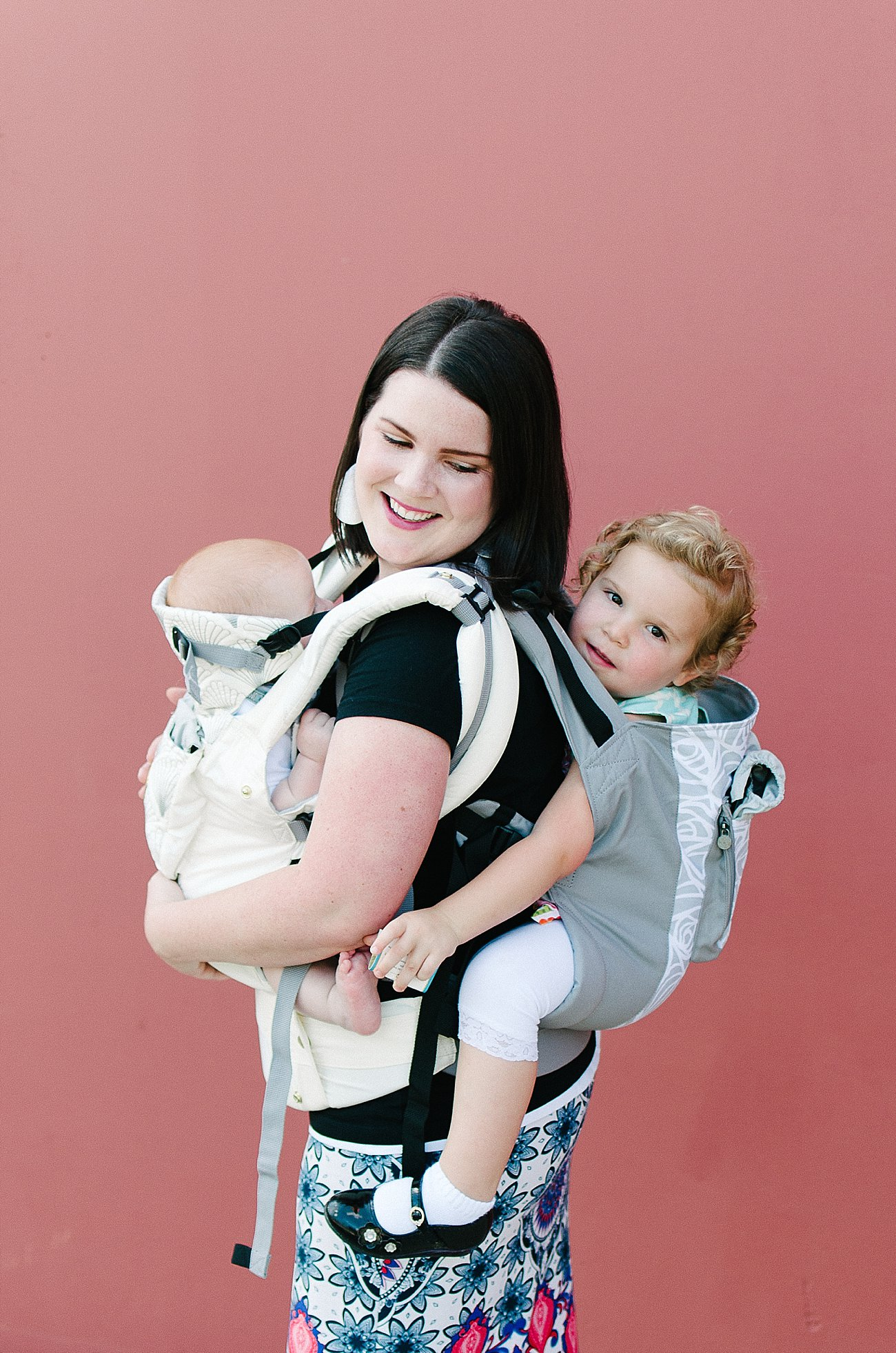 with Lillebaby Complete & CarryOn Baby Carriers #babywearing #tandemwearing #toddlerwearing (2)
