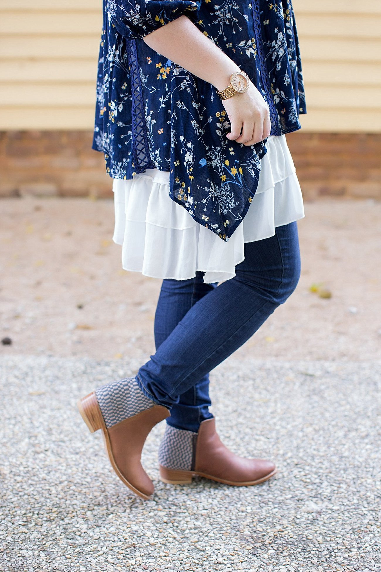 Grace & Lace peasant top and chiffon lace extender from The Flourish Market, Paige denim, Root Collective espe booties | Ethical Fashion, North Carolina Life and Style Blogger (8)