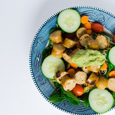 Simple Southwest Salad with Chipotle Chicken Sausage   RECIPE