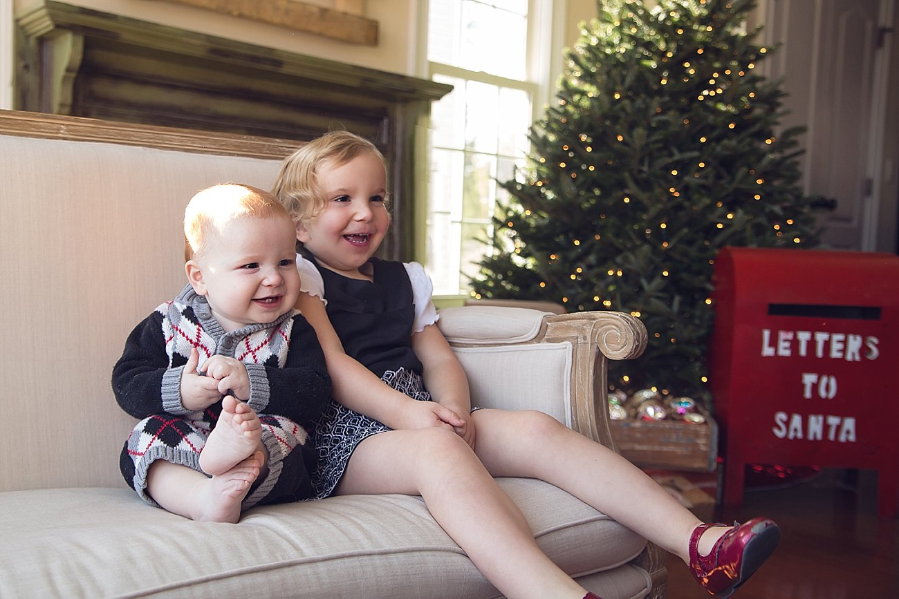 Lilly and Amos - Santa Mini Session with Rebecca Keller Photography - Raleigh, North Carolina - 2016 (4)