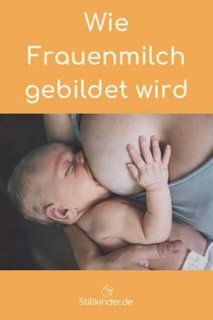 Ein Neugeborenes an der Brust
