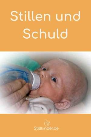 Ein Baby bekommt die Flasche