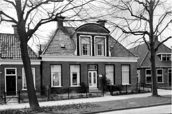 Smelbrêge 6, vermoedelijk op moment van toekenning als monument 1968. Foto: Monumenten.nl