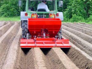 Masina pentru plantat cartofi de la Tehnos