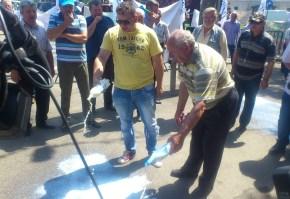 protest, lapte varsat