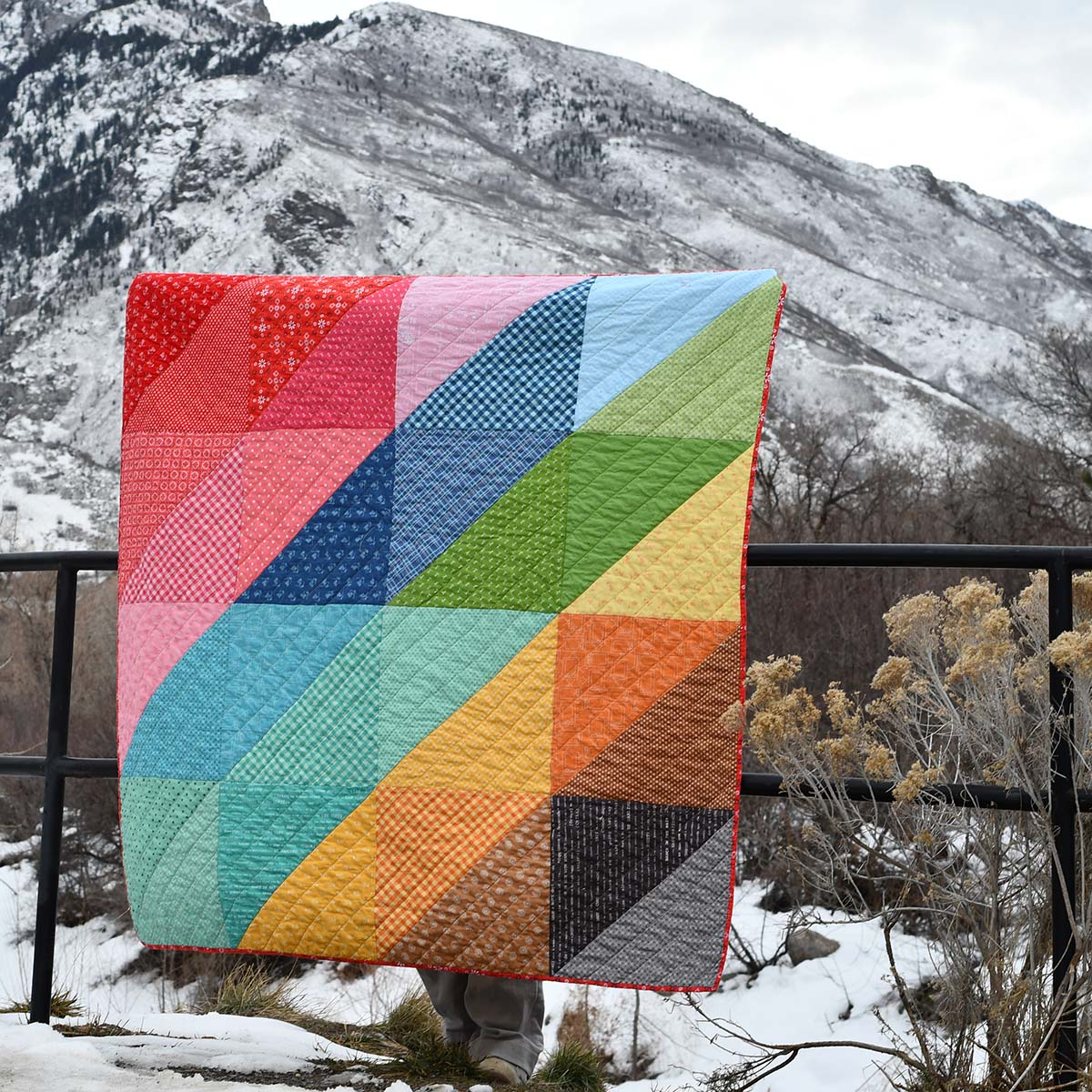 Easy Modern Half Square Triangle Quilt Stitches Quilting