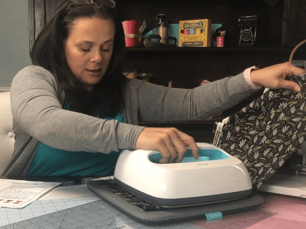 Cricut Easy Press Iron Fabric 2