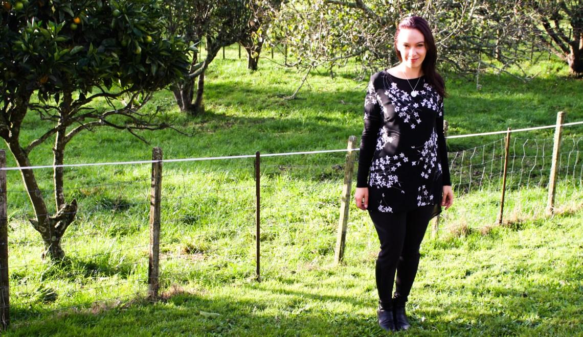 A Garment A Week - Week 21 - Leggings - faux leather details - stitchremedy.com
