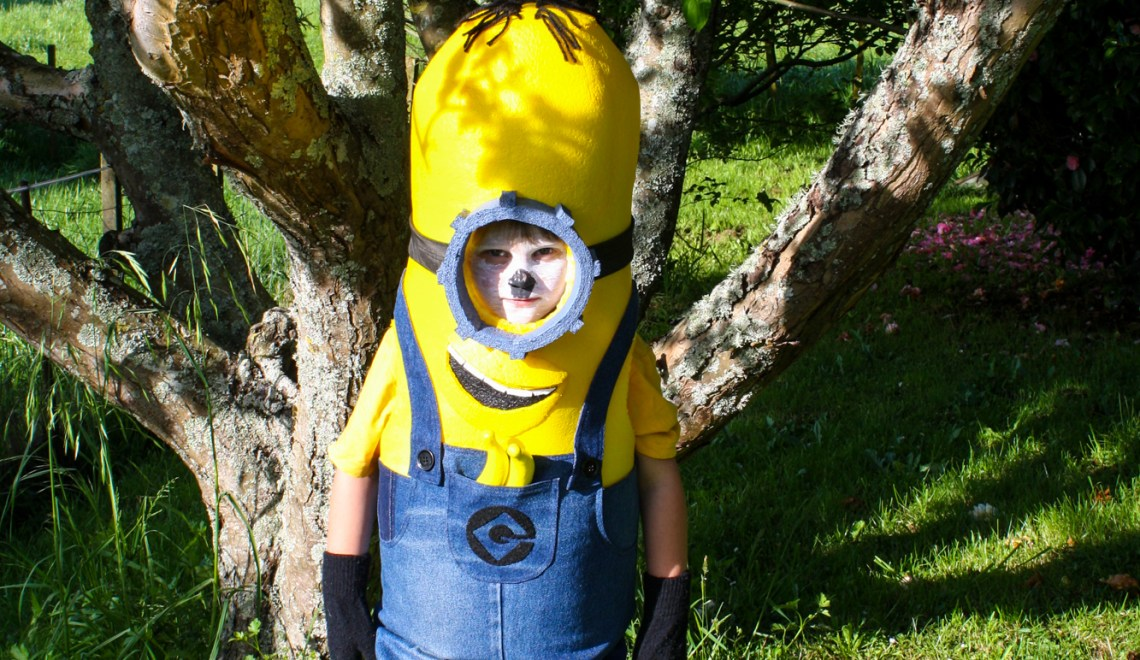 Halloween 2016 Costumes - Cosplay - Costume party - stitchremedy.com - minion costume