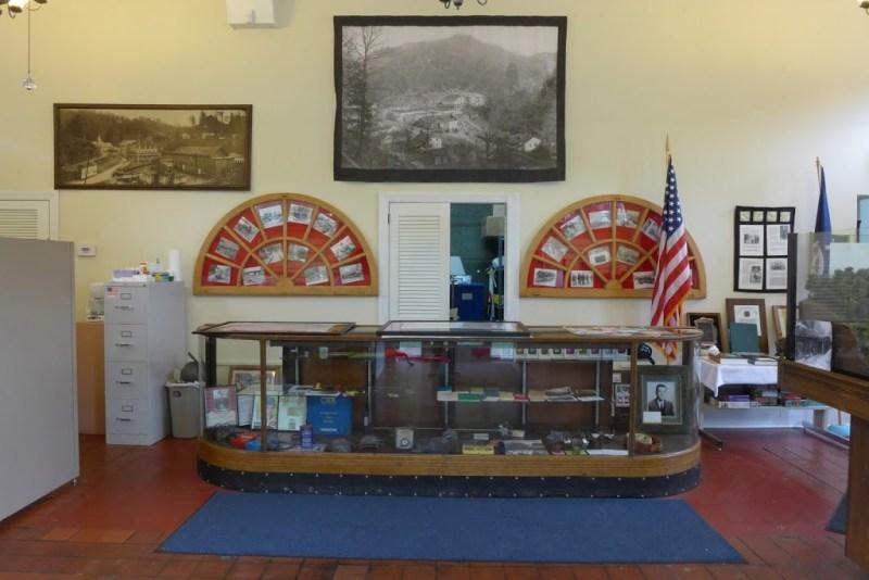 Dante museum display