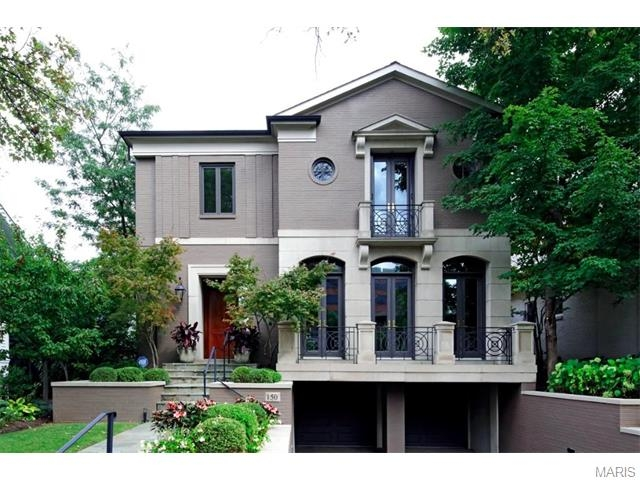 Welcome home to 150 North Central Avenue in Old Town Clayton