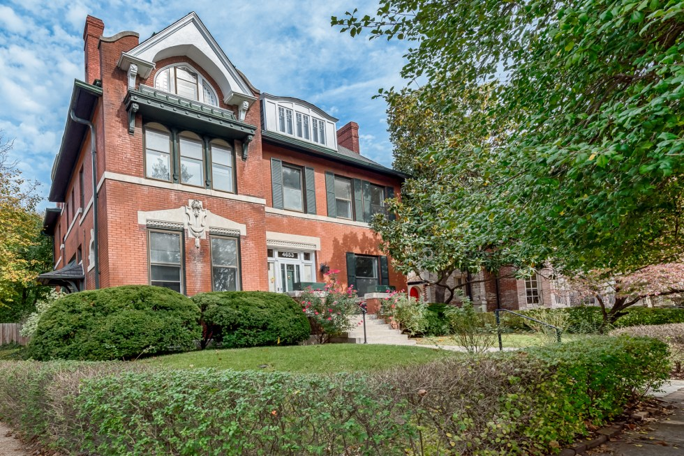 Photographs of a home on Pershing Place in the Central West End of St. Louis, Missouri for Dielmann Sotheby's International Real Estate agent Ted Wight.