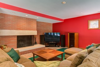 Photographs of a home on Warson Hills Lane in Ladue, Missouri for Dielmann Sotheby's International Realty agent Ted Wight