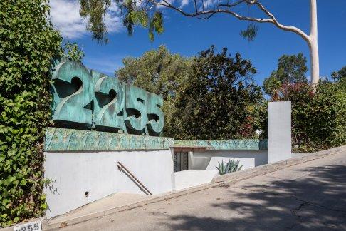 a-street-view-of-2255-verde-oak-drive