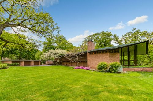 Frank Lloyd Wright House in Lake Forest Asks 2.3M | 170 North Mayflower Road