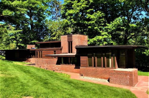 Frank Lloyd Wright House in Wausau, Wisconsin Asks 425K | 1224 Highland Park Boulevard