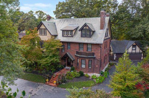 Gracious Home in Hampton Park | 1183 Hampton Park Drive