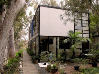 charles-ray-eames-house-la-john-zacherle-flickr
