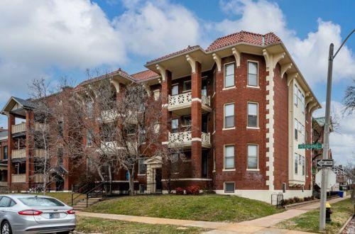 Large 2 Bedroom Condo Within Walking Distance to Washington University | 6105 Pershing Avenue #2E