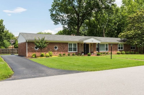 Impeccable Ranch in Ladue School District | 400 Wenneker Drive