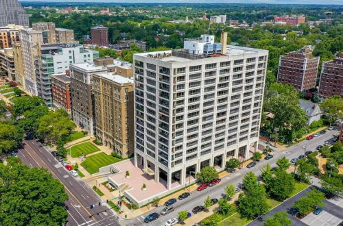3 Bedroom Condo in the Stylish Lindell Terrace Building | 4501 Lindell 9 F & G