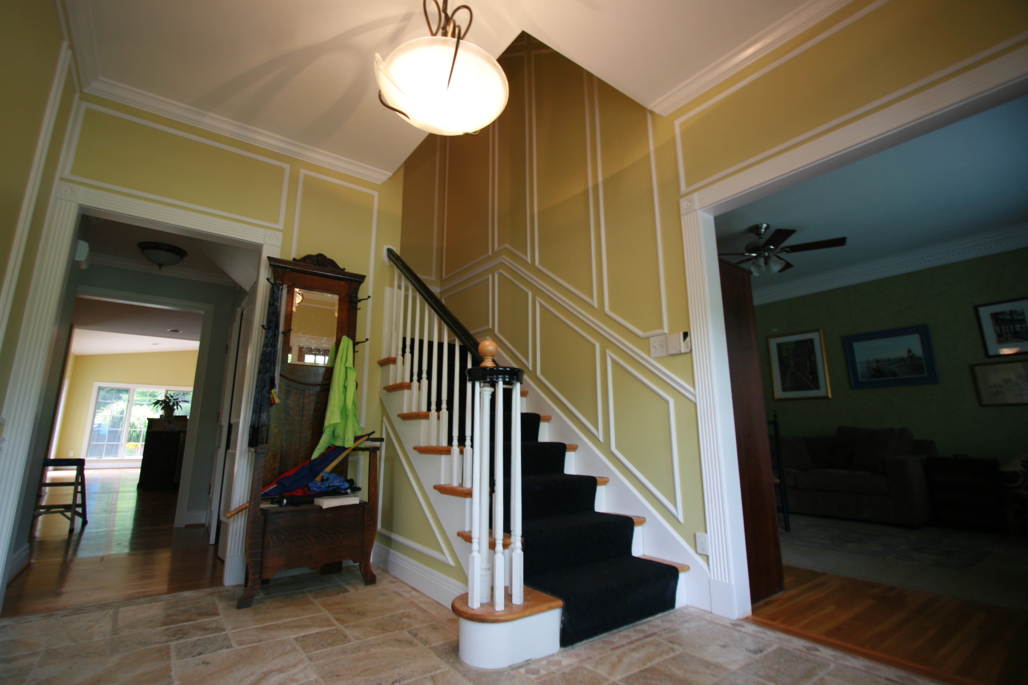 How to paint the ceiling - prompt experienced professionals