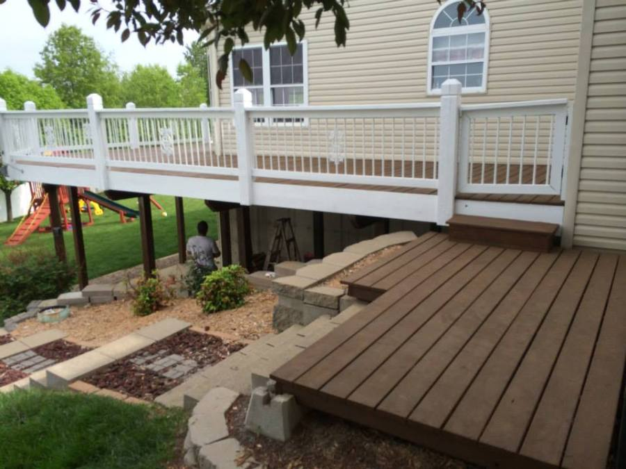 St. Louis, Mo deck staining