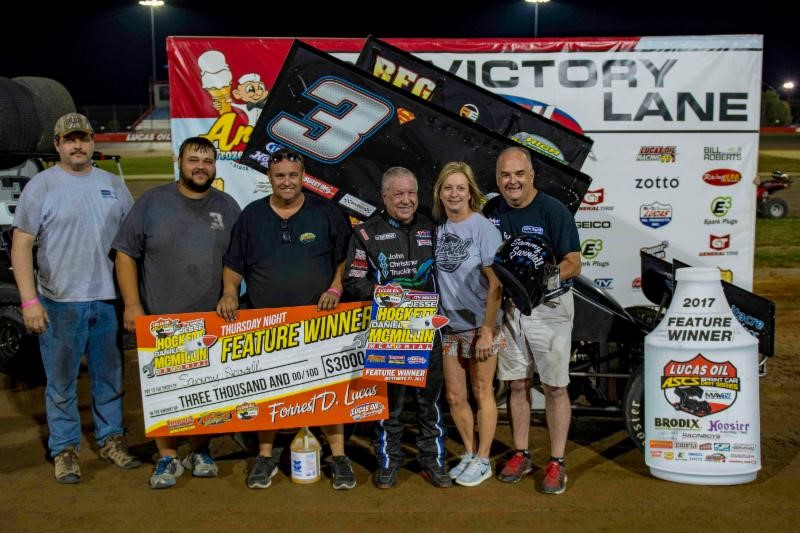 Swindell, Seavey pick up feature wins as Hockett/McMillin Memorial opens at Lucas Oil Speedway
