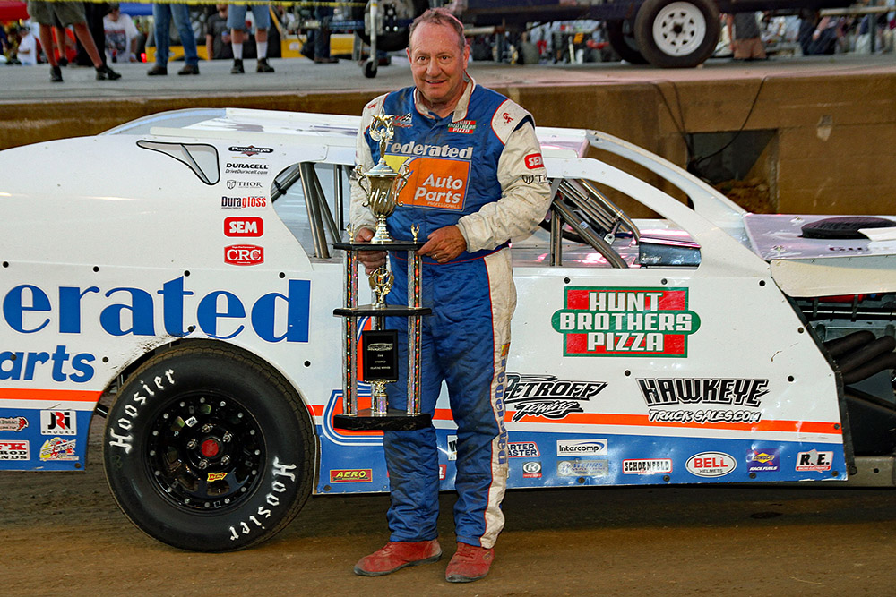 Ken Schrader takes UMP Modified win at the Indy Mile!