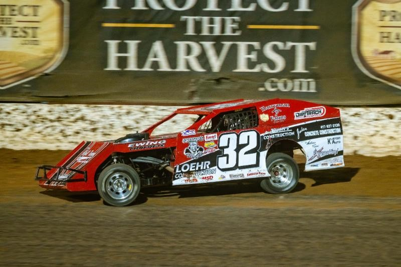 Lucas Oil Speedway Spotlight: Former baseball, basketball standout Ewing making mark in dirt racing
