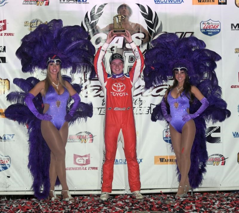 Last Lap Pass Gives Christopher Bell His Third Lucas Oil Chili Bowl Nationals Victory