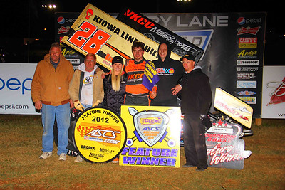 Jonathan Cornell outran the cold this past Saturday night, topping the co-sanctioned ASCS Warrior/Sooner Regional event at Springfield Raceway. Photo Credit: Ryan Gillmore