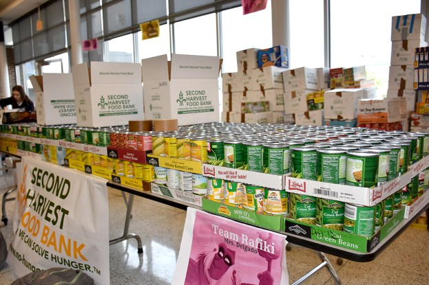 canned_food_drive_6303