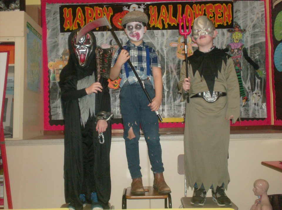 2016/17, (P3 & P4): Halloween Dressup & Party