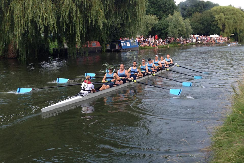 SNRC men's 2 crew at Cambridge Bumps.
