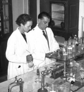 Irène_et_Frédéric_Joliot-Curie_1935