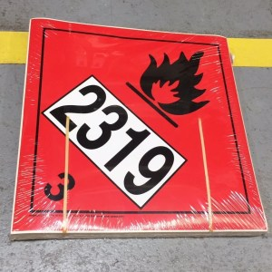 class 3 placard with un2319